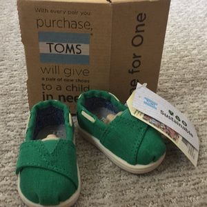 Toms baby Classic Earthwise Green
